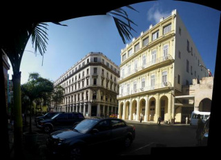 10-view-of-buildings-in-old-havana