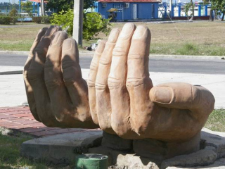tn_044-parque-de-esculturas