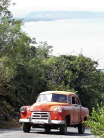 tn_286-Old-car-working-hard-to-get-up-the-hill