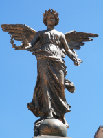 tn_539-statue-in-front-of-Church