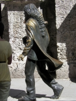 tn_571 Statue